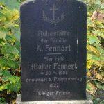 jeden z pomników na zapomnianym cmentarzu